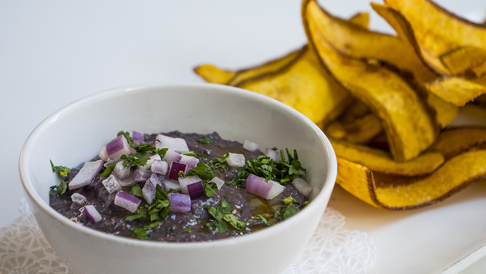 Black Bean Hummus & Plantain Chips